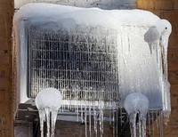 Почему образуется лед на внешнем блоке кондиционера?