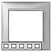 Рамка 5-местная универсальная (горизонт / вертик), алюминий / серебряный штрих, Legrand Valena Легранд Валена