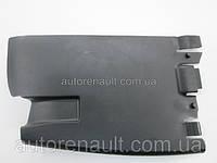 Защита под задний бампер (слева) на Рено Трафик 01-> Renault (оригинал)  8200066570