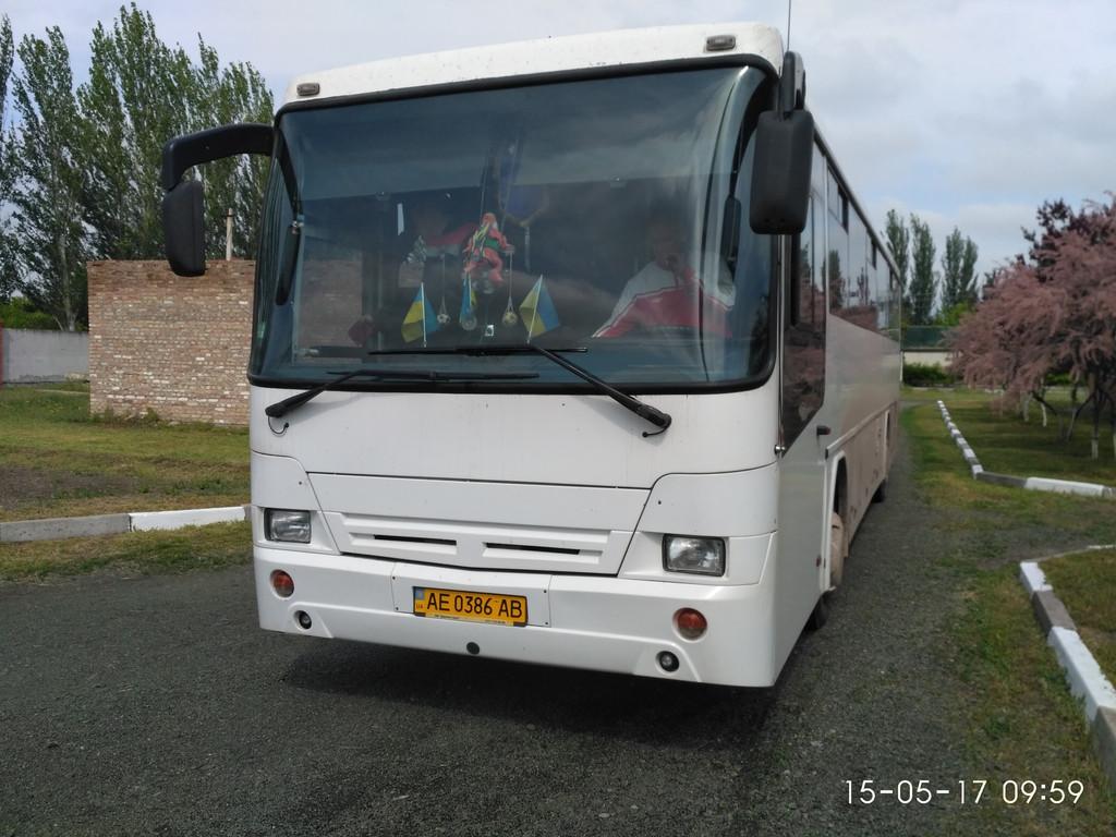 Изготовление и установка лобового стекла на автобус Нефаз 5296 в НИКОПОЛЕ