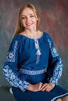 Женское вышитое платье синего цвета