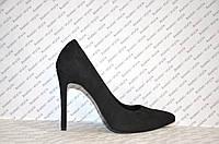 Туфли лодочки черного цвета на шпильке натуральная замша