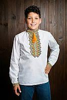 Качественная детская вышиванка для мальчика с красивым орнаментом