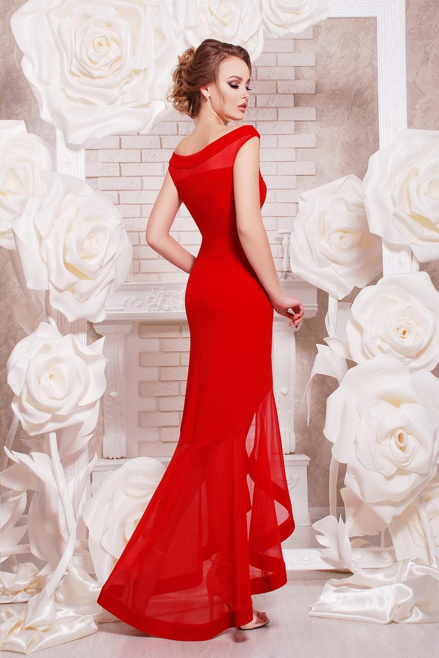 Вечернее длинное платье красного цвета