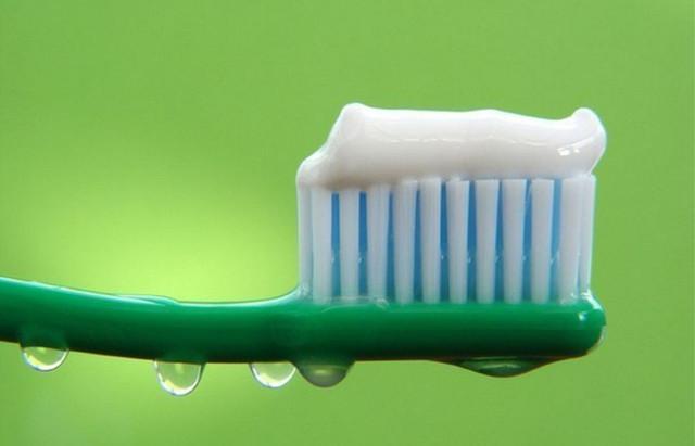 Зубные пасты, порошки, мыло для рук и тела