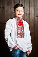 Детская белая вышиванка с красными нитками классического пошива