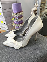 Свадебные туфли белые с бантом Vera Wang