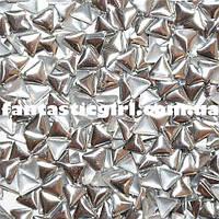 Металлические серебрянные треугольники для украшения ногтей