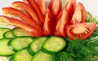 Тепличные овощи становятся более доступными.