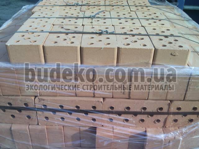 Кирпич рядовой керамический полнотелый М-100 КЗБМ-1 - OOO «BUDEKO» в Киеве