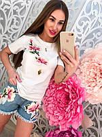"""Женский стильный костюм с вышивкой """"Цветущая ветка"""": футболка и джинсовые шорты"""