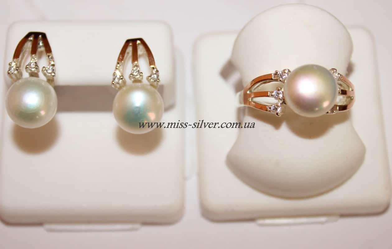 Комплект с белым жемчугом, золотом и фианитами Юлия - Miss Silver – магазин  ювелирных украшений fd26c152b99