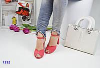 Женские босоножки на каблуке 9.5 см, замшевые, розовые / босоножки для девочек, модные