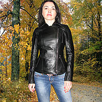 Лёгкая женская курточка