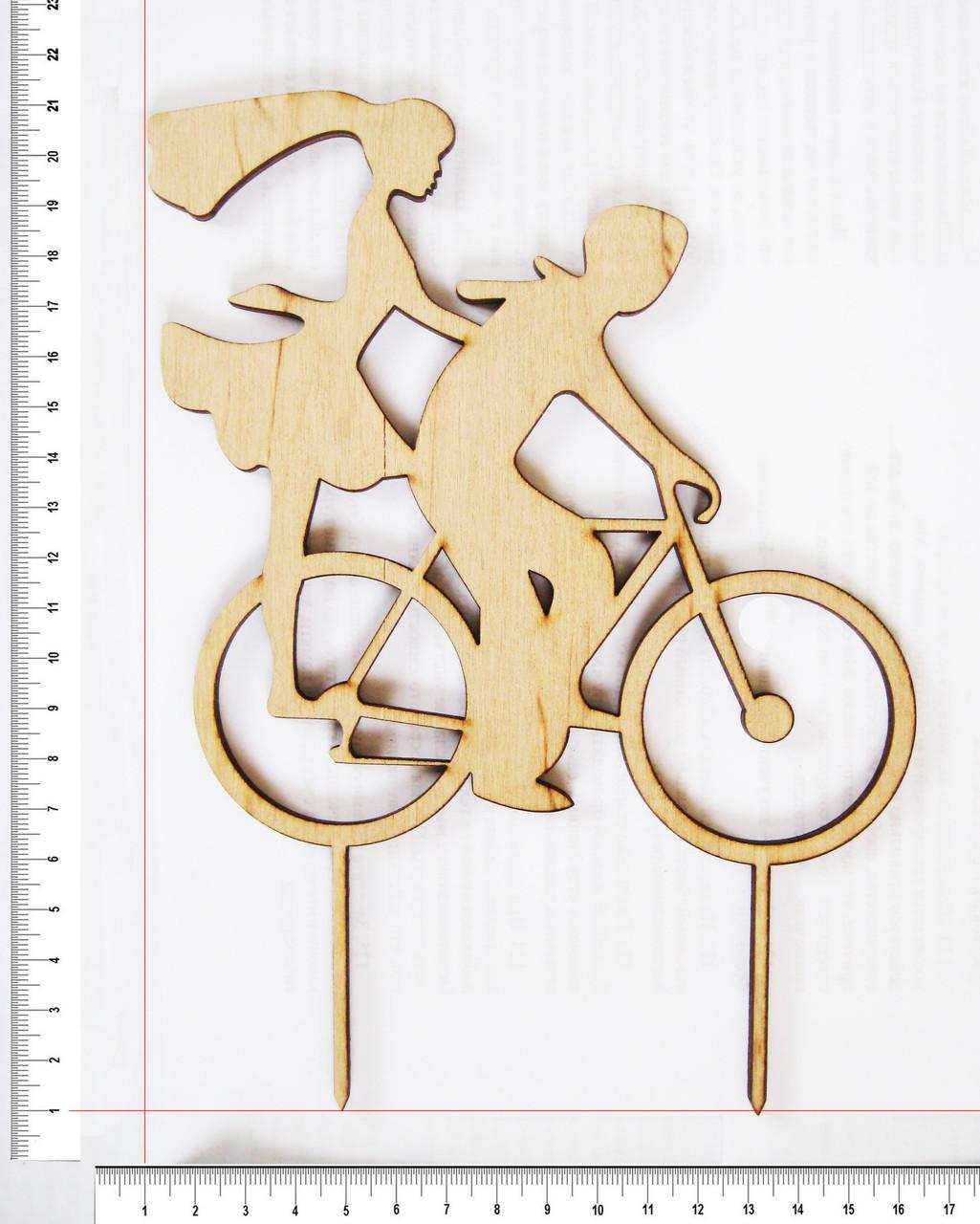 Топер Парень и девушка на велосипеде 20 х 15,5 см