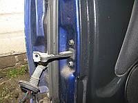 Ограничитель передней правой двери Mitsubishi Space Star 1998-04