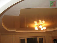 Двухуровневый потолок с криволинейными участками