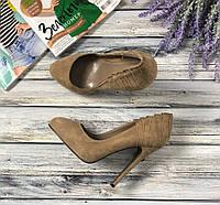 Красивые туфли-лодочки из натуральной замши с оригинальной строчкой сзади   SH41023