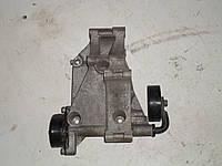 Кронштейн компрессора генератора Volkswagen Sharan (96-00)