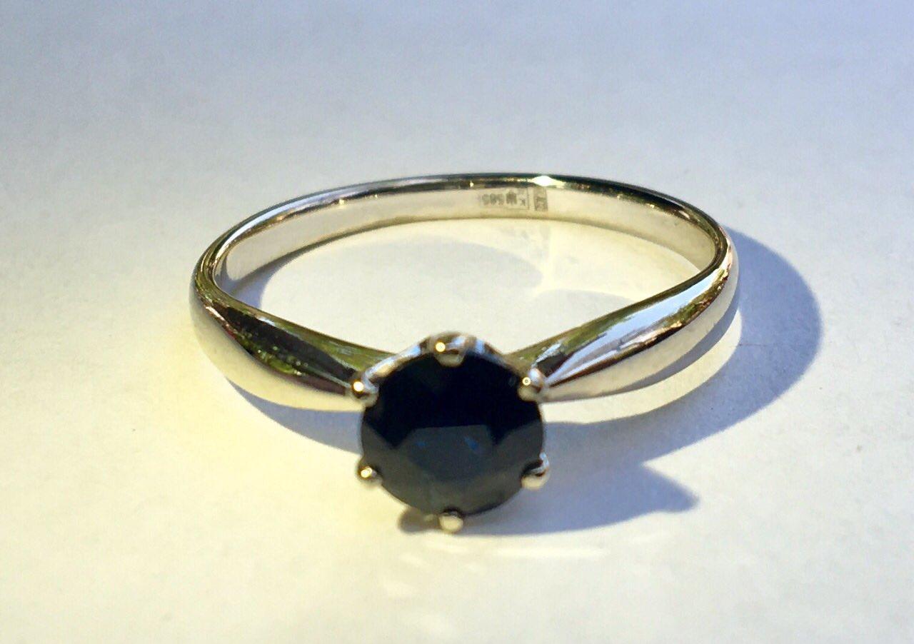 Золотое кольцо 585 проба ,сапфир.Сертификат .