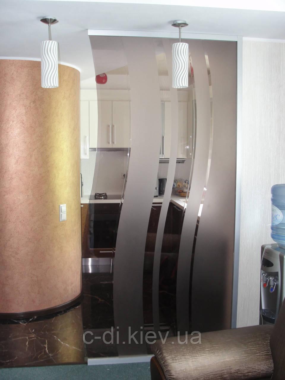 Стеклянные перегородки стационарные с рисунком