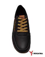 Мужские кожаные кроссовки, черные, светлый шнурок, кожаные нашивки