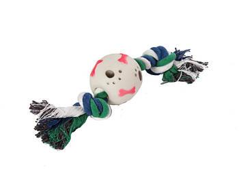 Игрушка канат-грейфер для собак FOX белый двухузловой с мячом-лапки, 30 см