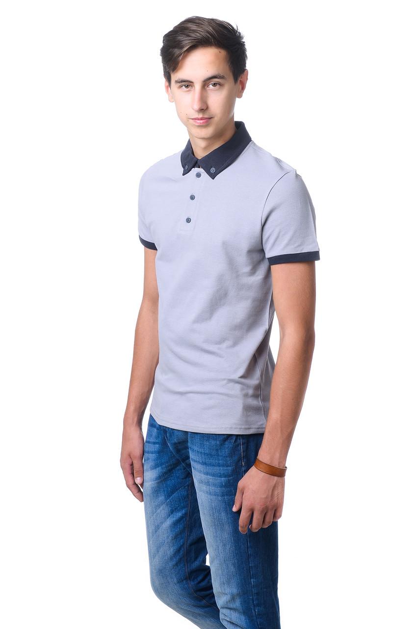 Привлекательная мужская футболка из качественного материала с контрастным воротником поло серая