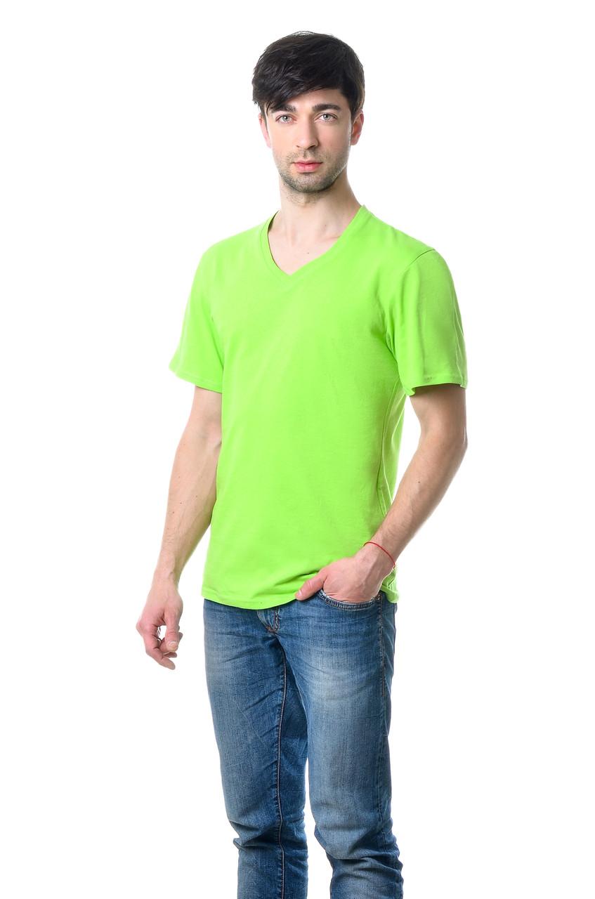 Якісна чоловіча футболка оригінального крою з V-подібним вирізом горловини салатова