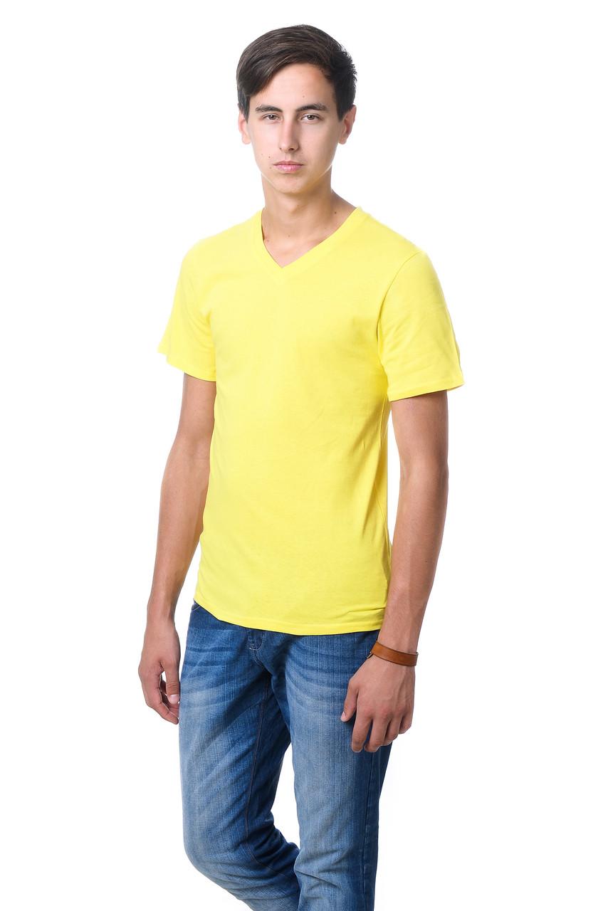 Качественная мужская футболка оригинального кроя с V-образным вырезом горловины лимон