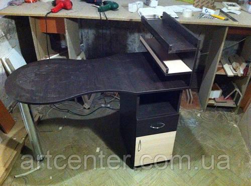 Складной стол для маникюра с полочками