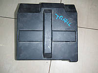 Крышка корпуса блока предохранителей моторного  отсека Renault Trafic opel Vivaro 2000-2014
