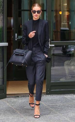 Какой должна быть дамская сумочка для деловых встреч