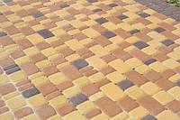 Тратуарная плитка Золотой мандарин Старый город Желтый цвет на белом цементе нагрузка:4 см(94 кг/м2)Область применения: пешеходная зона
