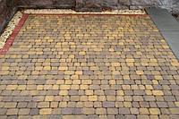 Тратуарная плитка Золотой мандарин Старый город Генуя новинка колормикс нагрузка:4 см(94 кг/м2)Область применения: пешеходная зона