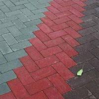 Тратуарная плитка Золотой мандарин кирпич стандартный (200х100) Красный цвет на сером цементе нагрузка:4 см(94 кг/м2)Область применения: пешеходная