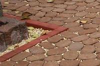 Золотой мандарин Поребрик фигурный квадратный (500х250х80) Красный цвет на сером цементе Вес 23,3 кг