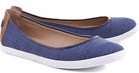 Кроссовки или балетки? Какая обувь полезна для ног?
