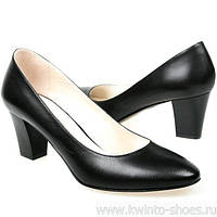 О чем говорит цвет женских туфель?