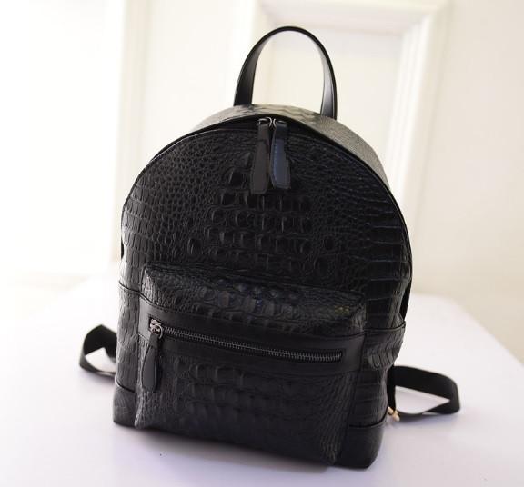 Стильный рюкзак под крокодил