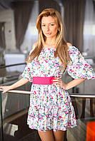Романтическое платье в цветочный принт, с ярким поясом в комплекте.