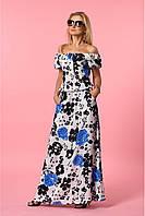 Женский летний длинный сарафан белого цвета с синими цветами
