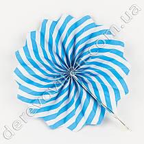 Подвесной веер, бело-голубой, 20 см - бумажный декор-розетка