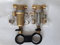 В пакетном предложении комплект фильтров  Honeywell Германия FF06 1/2AA и 1/2ААМ.