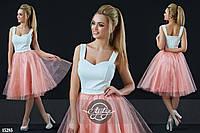 Коктейльное платье с пышной фатиновой юбкой персик