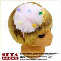 Обруч для волос с большим розовым помпоном и разноцветными шариками
