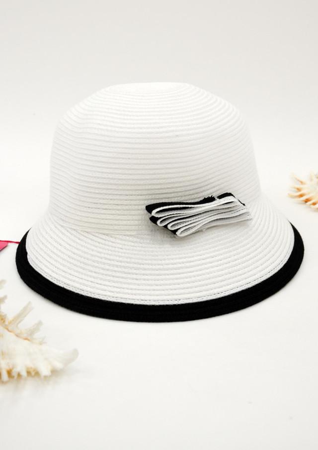 Женская пляжная шляпка Del Mare белая с короткими ассиметричными полями. Шоу-рум, доставка по Киеву и Украине, 0987555561