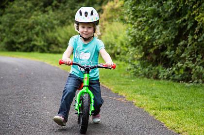 Первый детский велосипед? Как выбрать беговел?