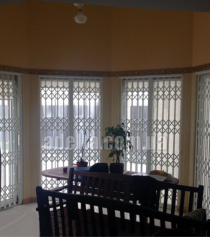 Решетки раздвижные на окна Шир.1250*Выс2400мм