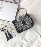 Женская сумка с цветком